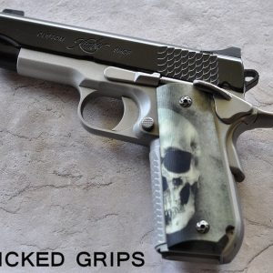 1911 BOBTAIL / SUPER CARRY ALUMINUM 3D GREEN GREY SKULLS